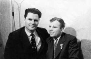 Youri Garnaev, grand-père d'Oksana Garnaeva, et le premier cosmonaute Youri Gagarine